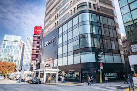 LUSH新宿店