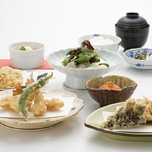 四季折々の食材の天ぷら